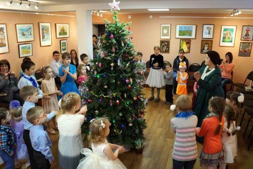 Новогодние елки для детей a