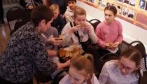 Школьники на программе о блокадном Ленинграде_10